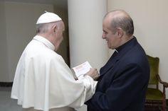'El papa nos está invitando a que dejemos de mirar a Roma' . José M. Poirier…