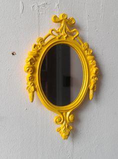Miroir mural décoratif ou châssis en cadre Vintage jaune citron - relancé Vintage on Etsy, 25,10$ CAD