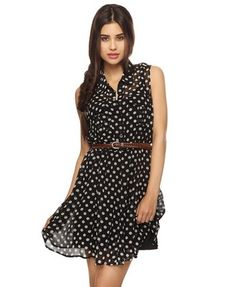 This dress is really comfortable from Forever 21. Oh and who doesn't like polka dots?... they're so classic and chic!