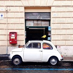 Fiat 500 / photo by Ahtziri Lagarde Motorcycle Baby, Fiat 500c, Across The Universe, Mode Of Transport, Porsche 356, Small Cars, Beautiful Space, Wonders Of The World, Cars Motorcycles