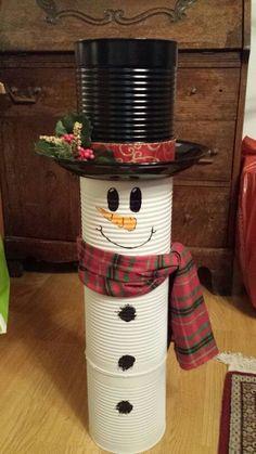 Christmas Crafts diy 40 Brilliant DIY Snowman Crafts Ideas for Amazing Winter Christmas Decor Diy Cheap, Snowman Christmas Decorations, Snowman Crafts, Christmas Snowman, Christmas Projects, Simple Christmas, Holiday Crafts, Christmas Time, Winter Christmas