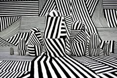 Hand painted russian dolls using dazzle camouflage - Oliver Stafford Op Art, Dazzle Camouflage, Gelli Printing, Razzle Dazzle, Elements Of Design, Optical Illusions, Installation Art, Textures Patterns, Artwork Prints