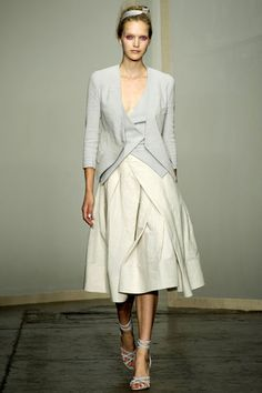 Donna Karan Spring 2013 Ready-to-Wear Collection Slideshow on Style.com