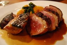 Breast of Duck with Calanda Peach and Pepper Sauce – Pechuga de pato con salsa de pimiento y melocotones de Calanda
