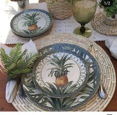 Tropical Dinnerware, Dinner Party Table, Table Set Up, Dinner Sets, Decoration Table, Ceramic Painting, Flatware, Tablescapes, Tabletop