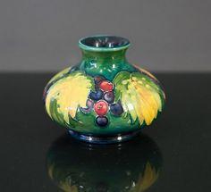 1930s William Moorcroft vase.… - Estate & Collector - Davidson Auctions - Antiques Reporter