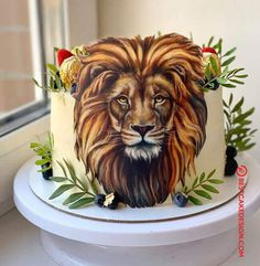 50 Most Beautiful looking Lion Cake Design that you can make or get it made on the coming birthday. Happy Birthday Cakes For Women, Adult Birthday Cakes, Cake Designs Images, Cool Cake Designs, Cupcakes, Cupcake Cakes, Kitten Cake, Aladdin Cake, Mole