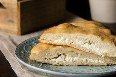 Το ωραιότερο τυρόψωμο (συνταγή της Mamangelic!) Finger Foods, Bread, Flowers, Finger Food, Brot, Baking, Breads, Royal Icing Flowers, Buns