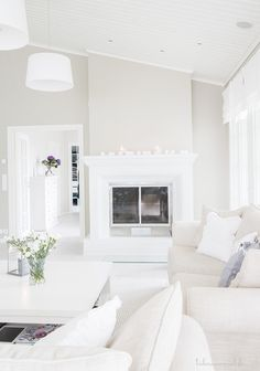 White living room - a fantastic blank canvas! Harmony House, Home Decor Bedroom, Home, Living Room White, Scandinavian Home, House Styles, White Interior, White Rooms, Home And Living