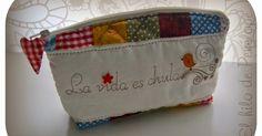 Elaborado con mucho mimo.   En telas de algodón,   con técnica de patchwork acolchado y bordado.   Un estuche que se puede personalizar co...