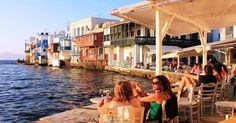 Economist: «Kaló taxídi» σε όσους επιλέξουν την Ελλάδα για τις διακοπές τους
