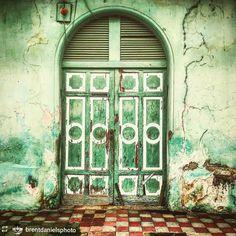 http://OkGranada.com #Follow @brentdanielsphoto: Beautiful old #Spanish…