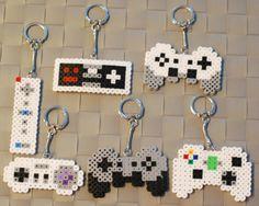 Etsy の Video Game Controller Perler by merkittenjewelry