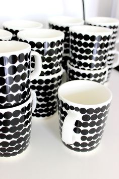 Swedish Design, Scandinavian Design, Decorative Household Items, Contemporary Mugs, Bone China Tea Cups, White Cottage, White Home Decor, Pottery Mugs, Marimekko
