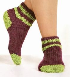 Calcetines tejidos a palillo calcetines hechos a mano en punto yersey OjoconelArte.cl | Crochet Slippers, Knitting Patterns, Stockings, Diy Crafts, How To Wear, Grande, Jr, Fashion, Knit Socks