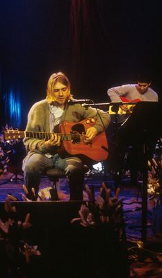 Kurt Cobain & Pat Smear #Nirvana MTV Unplugged in New York (1993)