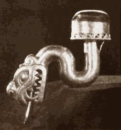 An example of gold Aztec jewelry