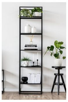 Discover SIMPLEX steel shelves online now Satamo - Regal SIMPLEX is a modern eye-catcher and storage space at the same time! Living Room Storage, Living Room Decor, Bedroom Decor, Decor Room, Decoration Inspiration, Room Inspiration, Regal Design, Apartment Living, White Studio Apartment