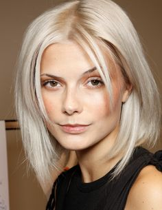 short hair inspiration for friday's haircut appointment. what do you think? Going Gray Gracefully, About Hair, Hair Inspiration, Haku, Short Hair Styles, Hair Makeup, Hair Cuts, Hair Beauty, Backstage