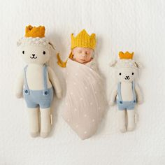 Modern gender neutral swaddle perfect for those newborn photo ops! Llama Stuffed Animal, Baby Stuffed Animals, Alpaca Toy, Llama Gifts, Baby Co, Little Unicorn, Project Nursery, Swaddle Blanket, Baby Blankets