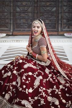 Love this Maroon Sabyasachi bridal lehenga with bridal jewellery. Love this Maroon Sabyasachi bridal lehenga with bridal jewellery. Sabyasachi Lehenga Bridal, Indian Bridal Lehenga, Indian Bridal Outfits, Indian Bridal Wear, Bridal Dresses, Lehenga Wedding Bridal, Lehenga Kurta, Indian Wedding Bride, Pakistani Bridal