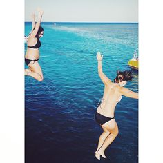 TBT jetty jumping into the Great Barrier Reef!  #throwback #jetty #jumping #greatbarrierreef #mermaids #tbt #queensland #australia #wanderlust #jettyjumping #ocean #sea #oceanlife #aussielife #oz #lovelife #happydays #good #memories #besties #bffs #jump #great #barrier #reef #bikini #blue #islandlife #thisisqueensland by pollyvictoriamills http://ift.tt/1UokkV2