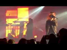 CHVRCHES – BURY IT (FEAT. HAYLEY WILLIAMS) - YouTube