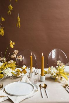 Modern mauve and yellow wedding palette and bridal inspo Decoration Table, Reception Decorations, Wedding Centerpieces, Autumn Centerpieces, Easter Centerpiece, Easter Decor, Wedding Bouquets, Fall Table Settings, Wedding Table Settings