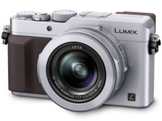 """""""レンズは、35mm判換算の焦点距離24-75mm相当のLEICA DC VARIO-SUMMILUX。明るさはF1.7-2.8と比較的明るい。"""""""