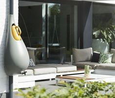 Raindrop – Un collecteur de pluie design by Studio Bas van der Veer Decoration Design, Egg Chair, Rain Drops, Outdoor Living, Lounge, Pure Products, Furniture, Roof Terraces, Home Decor