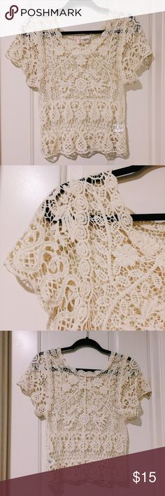 Cream Crochet top Flattering crochet top. Delicate and elegant! Great condition and a bit stretchy Tops