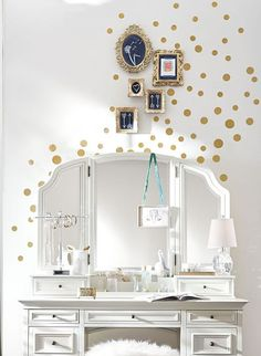 Gold dot wall decals http://rstyle.me/n/v8awsnyg6