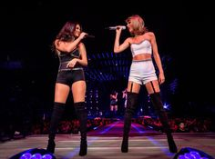 Selena Gomez Joins BFF Taylor Swift on Stage to Sing 'Good For You' - Watch Now!: Photo Taylor Swift and her BFF Selena Gomez take the stage together during the 1989 World Tour on Wednesday (August at the Staples Center in Los Angeles. Taylor Swift Hot, Estilo Taylor Swift, Selena And Taylor, Long Live Taylor Swift, Taylor Swift Pictures, Lady Gaga, Estilo Selena Gomez, Selena Gomez Concert, 1989 Tour