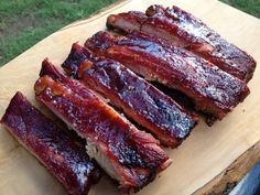 Louis Spare Ribs rubbed with bbq rub, smoked low and slow and sauced with a sweet and spicy sauce for the perfect St. Smoked Spare Ribs Recipe, Smoked Pork Ribs, Pork Spare Ribs Recipe Grill, Ribs On Grill, Bbq Ribs, Barbecue, Smoked St Louis Ribs, Barbacoa