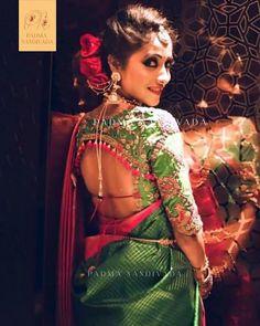 Beautiful Brocade Blouse transformed the plain saree look Fancy Blouse Designs, Blouse Neck Designs, Saree Gown, Sari, Lehenga, Saree With Belt, Saree Jackets, Saree Floral, Saree Draping Styles