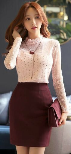 Style skirt outfits like you would be comfortable wearing it skirt lenght wise. Style Outfits, Skirt Outfits, Classy Outfits, Dress Skirt, Dress Prom, Korean Outfit Street Styles, Korean Outfits, Work Fashion, Trendy Fashion