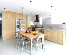 Image 8 of 21 from gallery of Hackney Townhouse / ZCD Architects. Photograph by Charles Hosea Council House Renovation, Kitchen Interior, Kitchen Design, Kitchen Ideas, Decor Interior Design, Interior Decorating, Grand Designs, Mid Century House, Creative Home