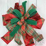 9 Ways to Make a Bow For A Wreath | Southern Charm Wreaths Christmas Mesh Wreaths, Diy Fall Wreath, Christmas Bows, Wreath Crafts, Deco Mesh Wreaths, Fall Wreaths, Wreath Ideas, Halloween Wreaths, Christmas Decorations