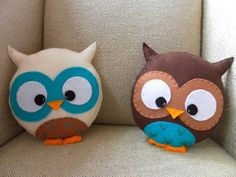 owl pillows...so cute!