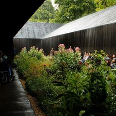 Peter Zumthor Serpentine Pavilion garden in the rain Contemporary Architecture, Landscape Architecture, Interior Architecture, Landscape Design, Garden Design, Pavilion Architecture, Architecture Artists, Sustainable Architecture, Residential Architecture