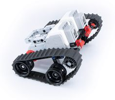 Yoshihito Isogawa is well known for his excellent Technic Idea book series, and now he is back with an idea book targeted for the EV3. The ideas are as imaginative as ever, captured in Isogawa-san&…