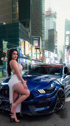 Chola Girl, Black Dancers, Cute Girl Wallpaper, Sexy Cars, Hot Cars, Curvy Women Fashion, Car Girls, Hottest Models, Bonito
