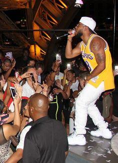 Hip-Hop Artist Eric Bellinger Performs at Chateau Nightclub & Rooftop in Paris Las Vegas on Aug 1, 2015