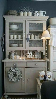 armoire patin e meuble biblioth que gris shabby chic grillage poules toile de jouy. Black Bedroom Furniture Sets. Home Design Ideas