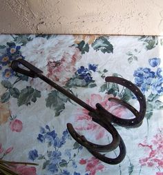 VINTAGE HAND CRAFTED HORSESHOE POT RACK