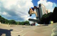 Vídeos Luan de Oliveira ensina Shovit Heelflip - Mais um vídeo com o skatista brasileiro Luan de Oliveira ensinando a manobra Shovit Heelflip nos vídeos produzidos pela Matriz skate.