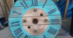 I love to create pallet signs, but found another fun project re-purposing cable spools. I decided to use them just like a normal sign and paint on them. My sist…