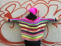 Las tendencias 2019/2020 de lola&punto Easy Knitting, Knitting For Beginners, Knitting Stitches, Knitting Yarn, Knitting Patterns, Knitted Blankets, Knitted Hats, Rainbow Sweater, Kit