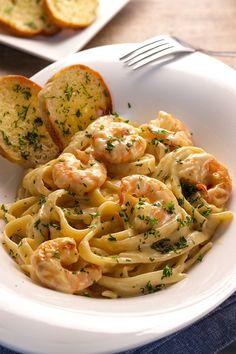 Shrimp Fettuccine Alfredo, Fettuccine Recipes, Creamy Pasta Recipes, Fettuccine Noodles, Alfredo Sauce, Recipe Alfredo, Pasta Alfredo, Seafood Alfredo, Shrimp Alfredo With Broccoli