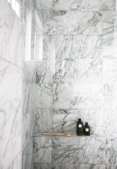 One day, we will have a full white marble shower. But for now we can just clamor over this beautiful and bold use of white marble tiles. Marble Showers, Marble Bath, Marble Tiles, Carrara Marble, Stone Tiles, Decor Inspiration, Bathroom Inspiration, Decor Ideas, Diy Ideas